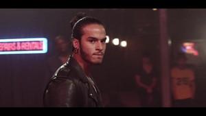 আপনি Make Me {Music Video}