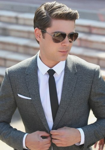Zac Efron wallpaper with a business suit and a suit titled Zac Efron