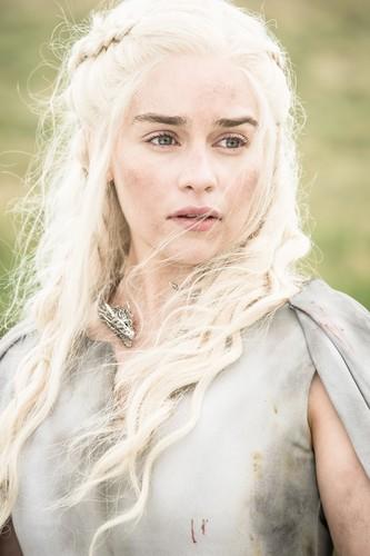 Daenerys Targaryen wallpaper titled daenerys targaryen