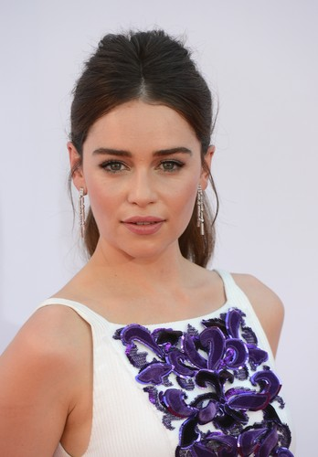Emilia Clarke achtergrond with a portrait entitled <3 Emilia Clarke <3