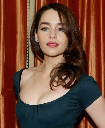 Emilia Clarke karatasi la kupamba ukuta possibly containing a bustier, tights, and attractiveness entitled <3 Emilia Clarke <3