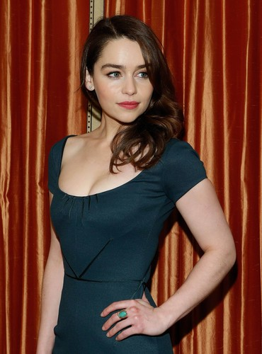 Emilia Clarke fond d'écran probably containing a bustier, a cocktail dress, and a dîner dress entitled <3 Emilia Clarke <3