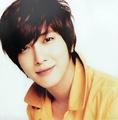 <3 :* - jung-yong-hwa photo