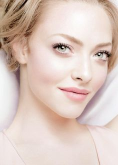 Amanda Seyfried wallpaper containing a portrait titled   Amanda
