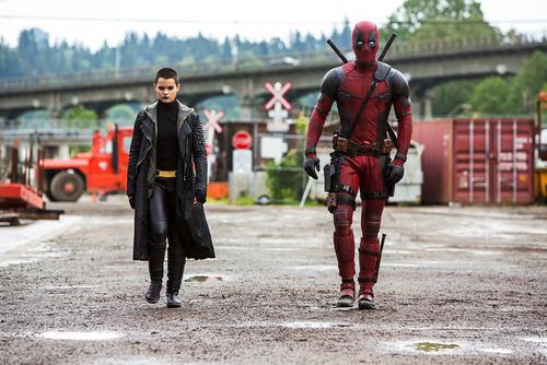 Deadpool (2016) fondo de pantalla containing a business suit titled 'Deadpool' (2016) Promotional foto