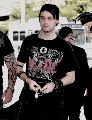Mikey Arriving in LA