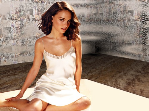 Natalie Portman wallpaper probably with a cocktail dress, a chemise, and a bustier entitled Natalie