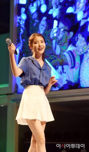 150731 李知恩 at Hite Jinro 海滩 音乐会