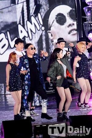 150813 ইউ at Infinity Challenge Festival with GD and Park Myungsoo