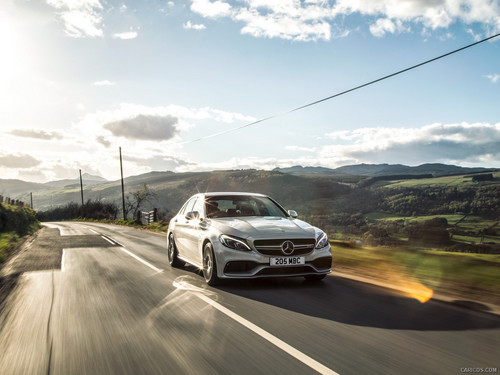 Gambar cantik kertas dinding with a carriageway, a sedan, and a hatchback titled 2016-Mercedes-AMG-C63-Saloon