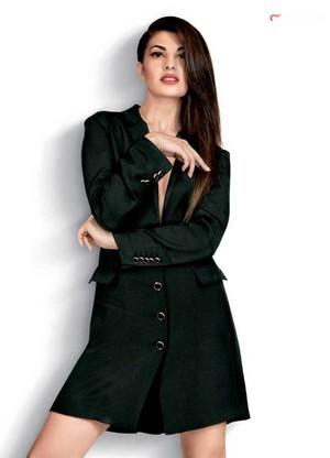 Bollywood Actress Jacqueline Fernandez Spicy foto Shoot Stills 07