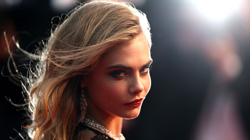 Cara Delevingne वॉलपेपर containing a portrait called Cara Delevingne