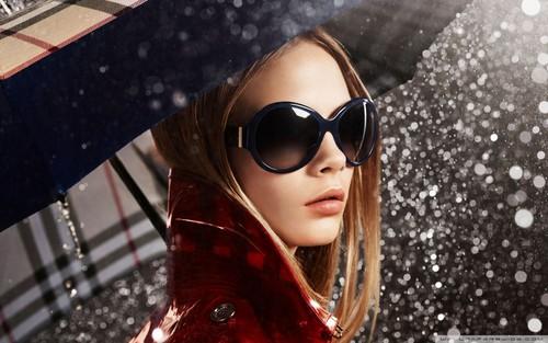 Cara Delevingne Обои with sunglasses called Cara Delevingne