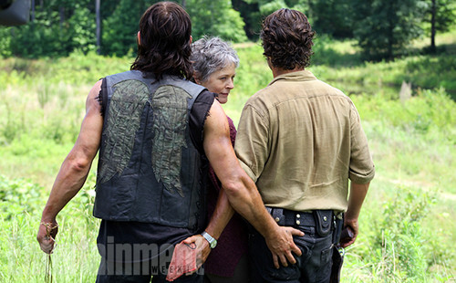 The Walking Dead wallpaper titled EW Cover - Behind The Scenes