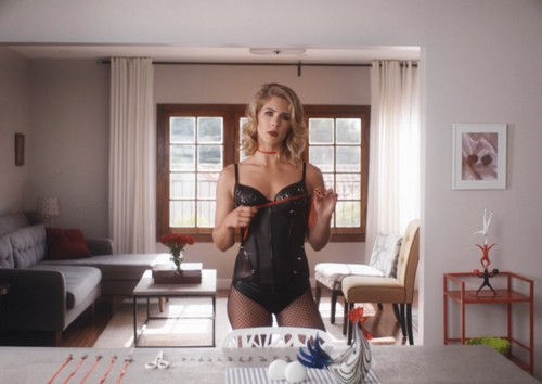 Emily Bett Rickards वॉलपेपर with a living room and a leotard titled Emily Bett Rickards in Normal Doors