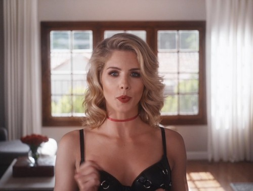 Emily Bett Rickards karatasi la kupamba ukuta possibly with attractiveness, a bustier, and a portrait called Emily Bett Rickards in Normal Doors