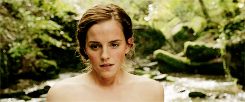 "Emma in ""Colonia"""