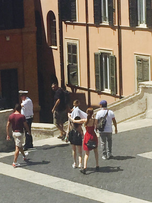 IU and Yoo In Na Vacationing in Rome