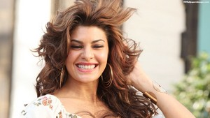 Jacqueline Fernandez Smile immagini