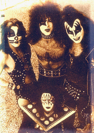 Kiss (Playboy Building) Los Angeles, California…January 16, 1975