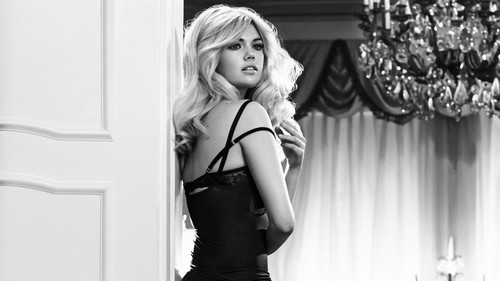 Kate Upton wallpaper possibly with a drawing room and a living room entitled Kate Upton
