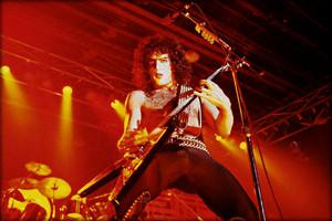 Paul ~July 18, 1977 (Love Gun tour)