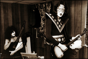Paul and Ace ~Boston, Massachusetts…May 11, 1975 (Dressed To Kill Tour-Orpheum Theater)