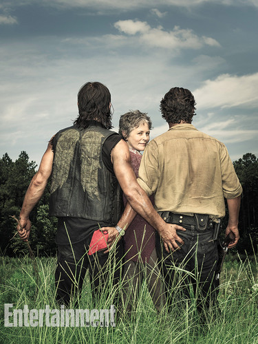 The Walking Dead Achtergrond Titled Season 6 EW Cover Rick Carol And Daryl