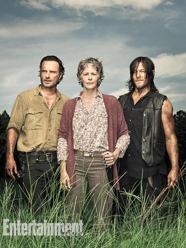 ウォーキング・デッド 壁紙 called Season 6 EW Cover ~ Rick, Carol and Daryl