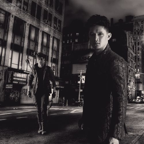 Alec & Magnus hình nền containing a street, a business suit, and a brownstone, đá nâu titled Shadowhunters - Malec