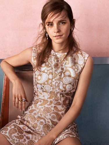 Emma Watson Hintergrund possibly with skin entitled Vogue UK (September 2015) HQ