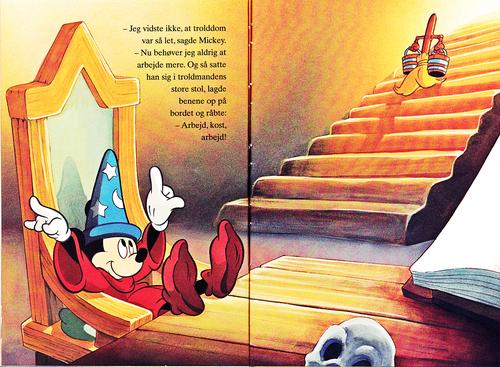 Walt Disney Characters karatasi la kupamba ukuta titled Walt Disney Book picha - Mickey panya, kipanya