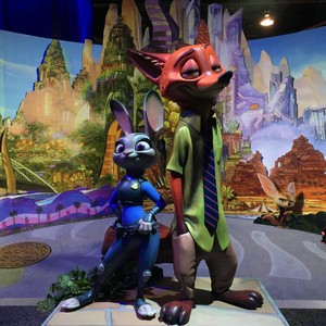 Zootopia Nick and Judy statues at D23 Expo