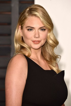 kate upton 2015 vanity fair oscar party in hollywood 1
