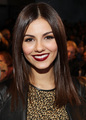 red lips! - victoria-justice photo