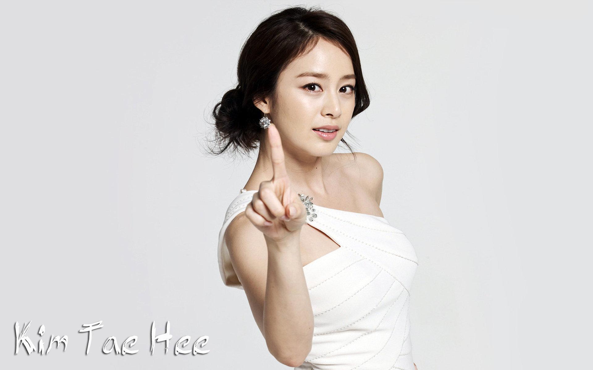 Foto Park Ju Young Suami Dari Kim Hee Sun Oxca Klb 108 17 Inch Lcd Console With 8 Port Kvm Switch