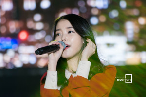 141017 IU at Lotte Card MOOV - Music in Incheon Concert