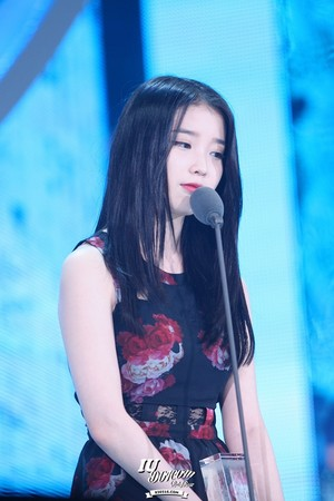 141113 IU at Melon Musik Awards