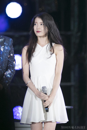 150813 IU at Infinity Challenge Song Festival with GD and Park Myungsoo