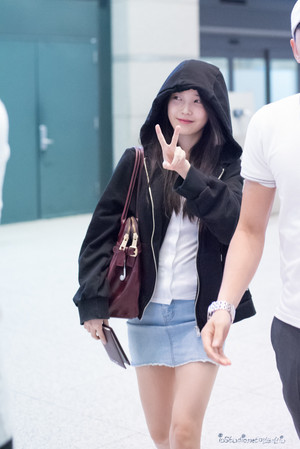 150907 IU at Incheon Airport Returning from Hong Kong