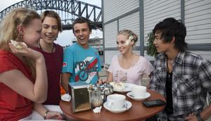 1x16 - Free Falling - Petra, Ethan, Sammy, Kat and Christian