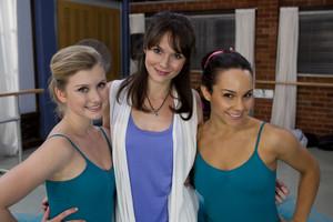 2x15 - Moving On - Grace, Saskia and Abigail