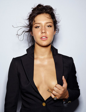 अडेल Exarchopoulos - Elle France Photoshoot - 2015
