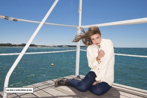 adele Exarchopoulos - Paris Match Photoshoot - 2013