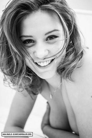 アデル Exarchopoulos - Photoshoot - 2011