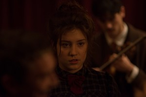 অ্যাডেলে Exarchopoulos as Judith Lorillard in Les anarchistes / The Anarchists