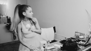 Ari 의해 Ariana Grande (Behind The Scenes)