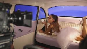 Ari 의해 Ariana Grande (Behind The Scenes)