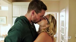 Arrow Season 4 Trailer: Olicity