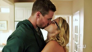 애로우 Season 4 Trailer: Olicity